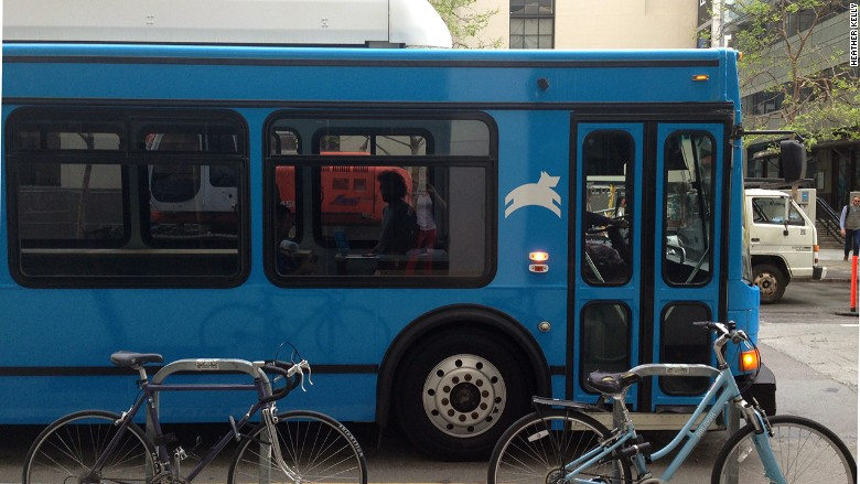 Do private high-tech commuter buses jibe with public transportation? (via CNET)
